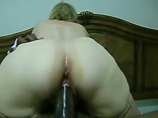 Cuckolding mature wife keep cumming on BBC and get creampied