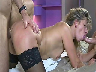 French MILF love anal fucking