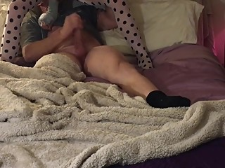 Babygirl has internet hookup date thdn cuckolds with ass and foot tease