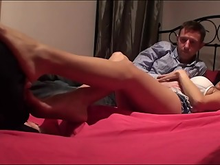 Cuckoid feet worship on bed
