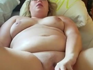 wifey dildoing for bull